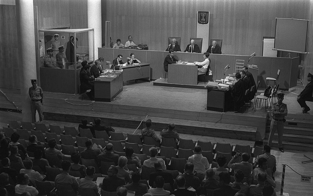 The opening session of the trial of Australian Denis Michael Rohan for setting fire to the al-Aqsa Mosque, at Binyanei Hauma convention center, Jerusalem, October 6, 1969. (Fritz Cohen/GPO)