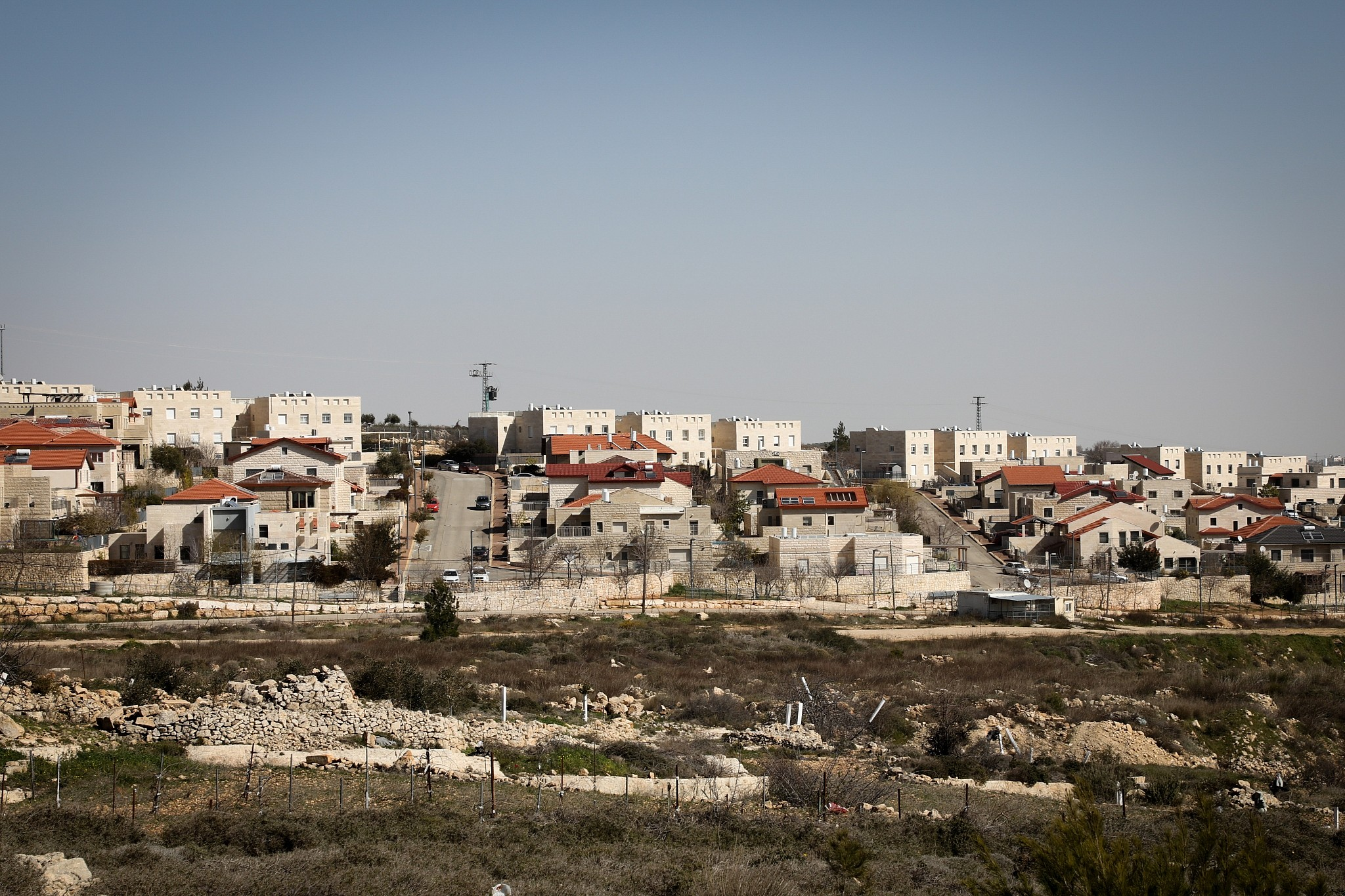 U.S.  faces Palestinian, global  criticism of Israel settlement move