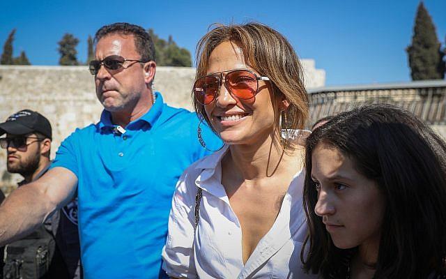 Jennifer Lopez visits the Western Wall in the Old City of Jerusalem on August 2, 2019. (Noam Revkin Fenton/Flash90)