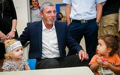 Education Minister Rafi Peretz visits a kindergarten in Givat Shmuel, August 29, 2019. (Roy Alima/Flash90)