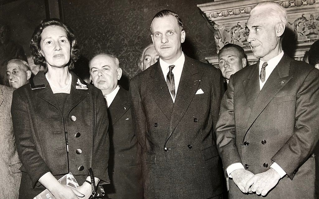 Marie-Madeleine Fourcade, left, with two of her top co-spies, Ferdinand Rodriguez, center, and Paul Bernard, after the war. (Patrick Rodriguez-Redington)