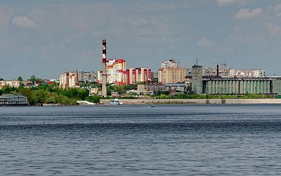 The Russian city of Syzran is located in the Volga region overlooking the Volga RIver at the foot of the Ural Mountains. (CC BY-SA Wikimedia Commons)
