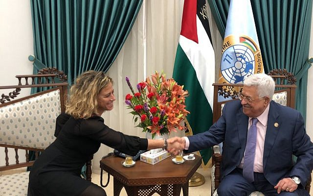 Democratic Camp candidate Noa Rothman meets PA President Mahmoud Abbas in Ramallah on August 13, 2019 (via Twitter)