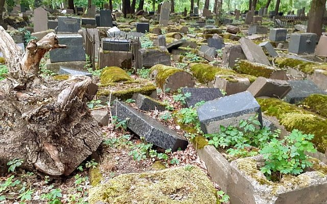 Smashed and dilapidated graves at the old Jewish cemetery in Kaunas, Lithuania, July 2019 (Raphael Ahren/TOI)