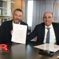 Amnon Shashua, Marius Nacht, get a letter from Bank of Israel Governor Amir Yaron and Supervisor of Banks Hedva Ber, saying they will get license to set up a digital bank in Israel.(Courtesy)