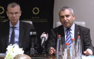 Ministers Yariv Levin (L) and Ze'ev Elkin of Likud speak to the media ahead of negotiations with the Blue and White party, September 27, 2019 (video screenshot)