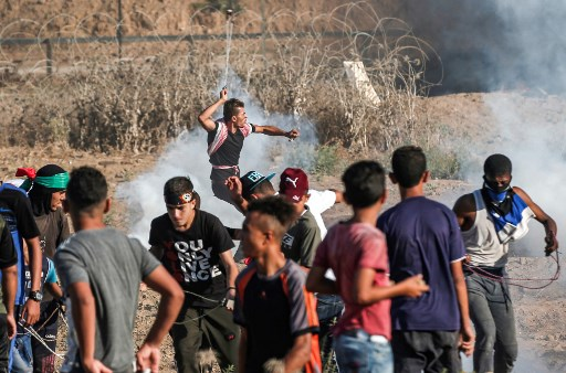 Palestinians Killed by Israeli Fire in Gaza Fence Protest