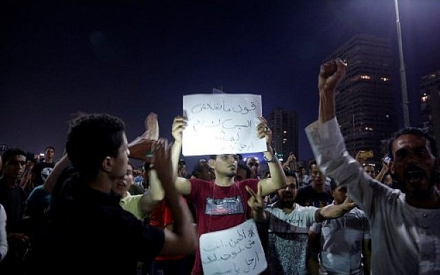 Egyptian protesters shout calling for the removal of President Abdel-Fattah el-Sissi in Cairo's downtown on September 20, 2019. (STR/AFP)