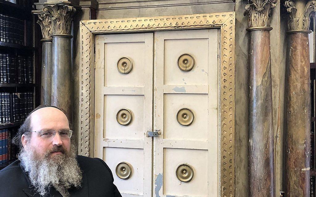 Rabbi Shaul Shimon Deutsch with the Krumbach Torah Ark. (Courtesy of Guernsey's)