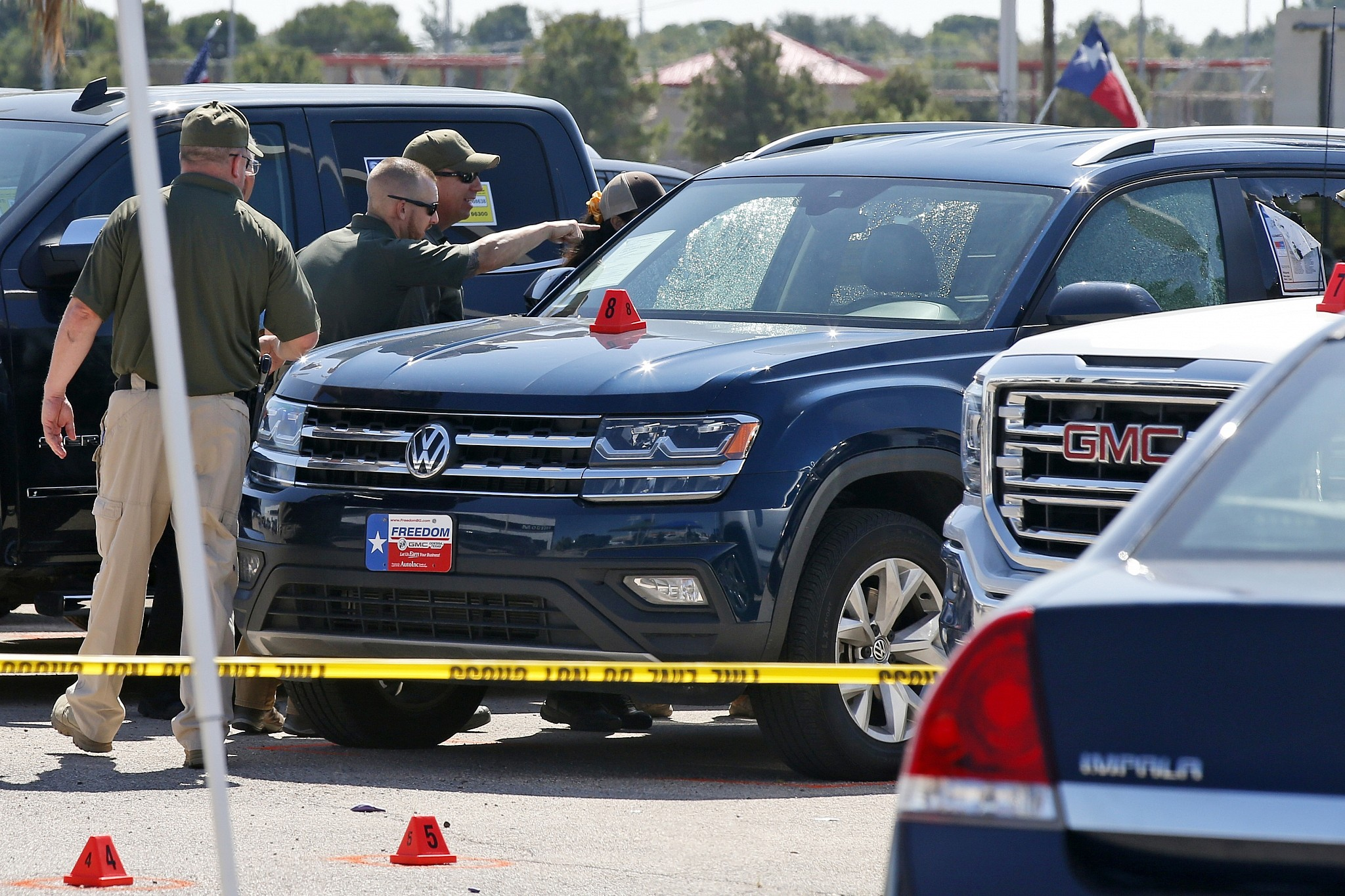 Death toll in Texas shooting rises to seven