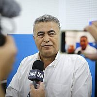 Labor-Gesher party leader MK Amir Peretz speaks with the media after casting his ballot at a voting station in Sderot, during the Knesset elections, on September 17, 2019. (Flash90)