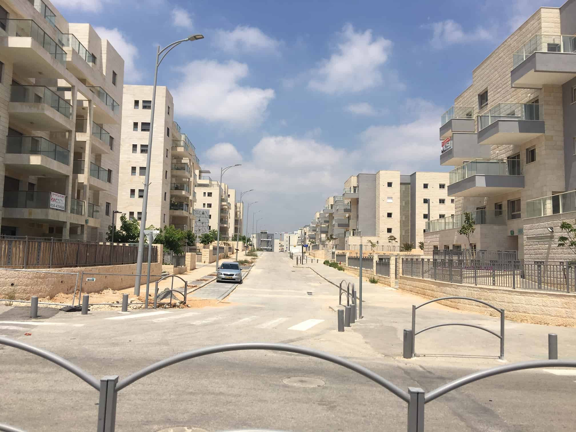 Harish was designed as an ultra-Orthodox community but it stands virtually empty, and its secular residents are stuck with the ill-designed infrastructure. (Photo: Amir Ben-David)