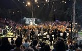 The 108 musicians who participated in 'Shalem,' the September 12, 2019 Mekudeshet festival concert of broken instruments (Jessica Steinberg/Times of Israel)