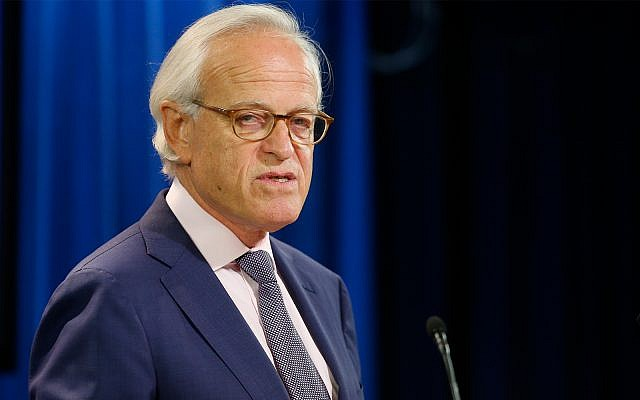 Former US Ambassador to Israel Martin Indyk speaks at the State Department as Secretary of State John Kerry announces that Indyk will shepherd the Israeli Palestinian peace talks beginning in Washington, July 29, 2013. (AP Photo/Charles Dharapak)