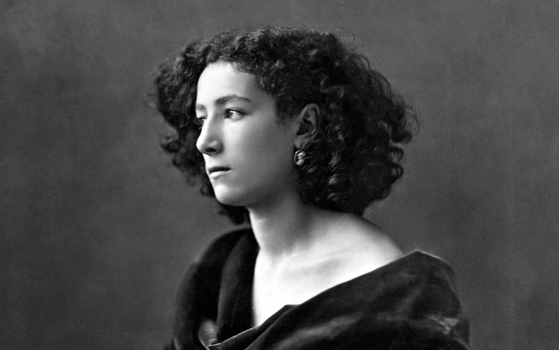 Sarah Bernhardt captured by Felix Nadar, 1864 (Public domain)