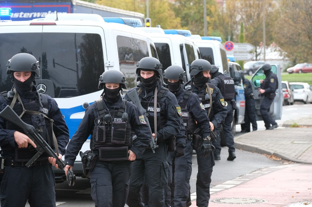 Several dead after shooting in German city of Hanau