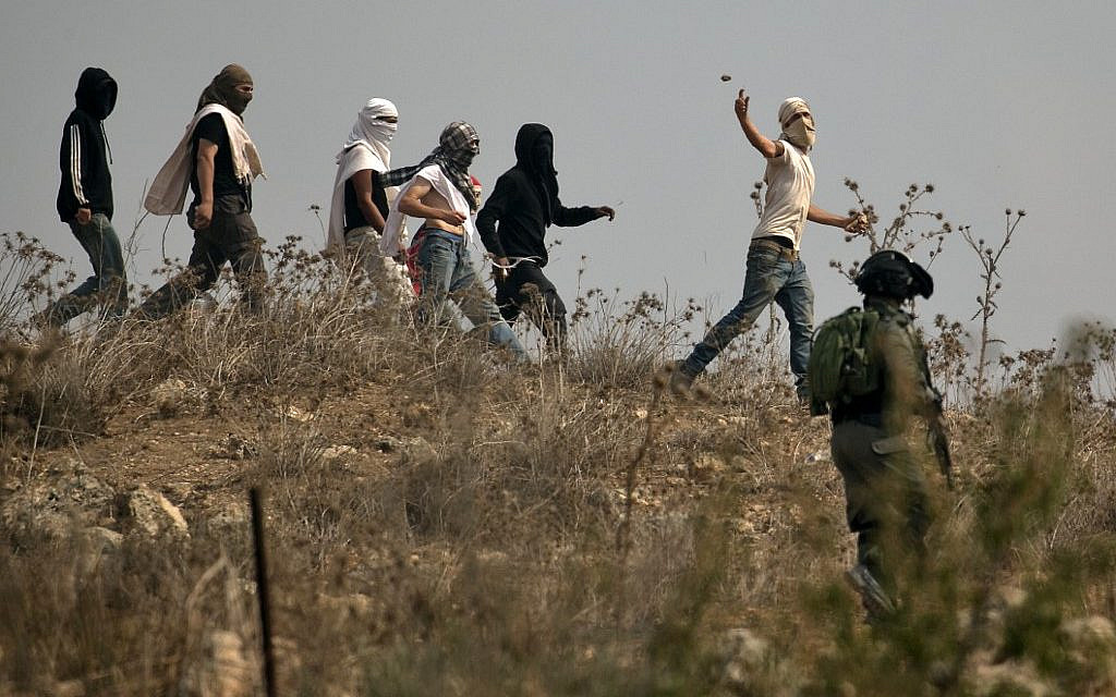 In 2nd attack in less than 48 hours, settlers throw rocks at troops near Yitzhar