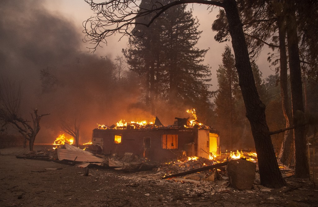 Tick Fire Causes Evacuations and Destruction in Santa Clarita