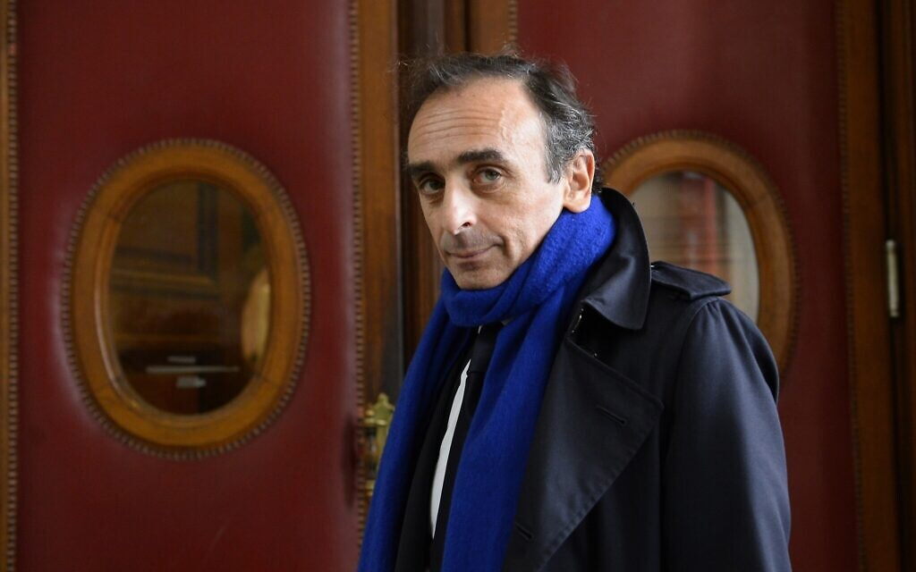 French journalist and writer Eric Zemmour arrives at the Criminal Court in Paris on November 6, 2015, where he was prosecuted for incitement to racial hatred.   (BERTRAND GUAY/AFP/Getty Images/via JTA)