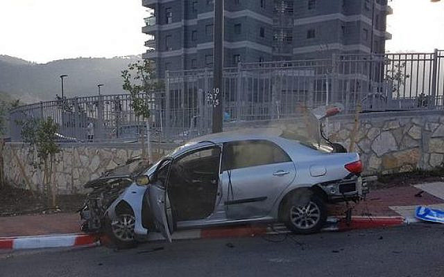 The remains of a car in Nesher after it exploded on Thursday, October 17, 2019 (Israel Police)