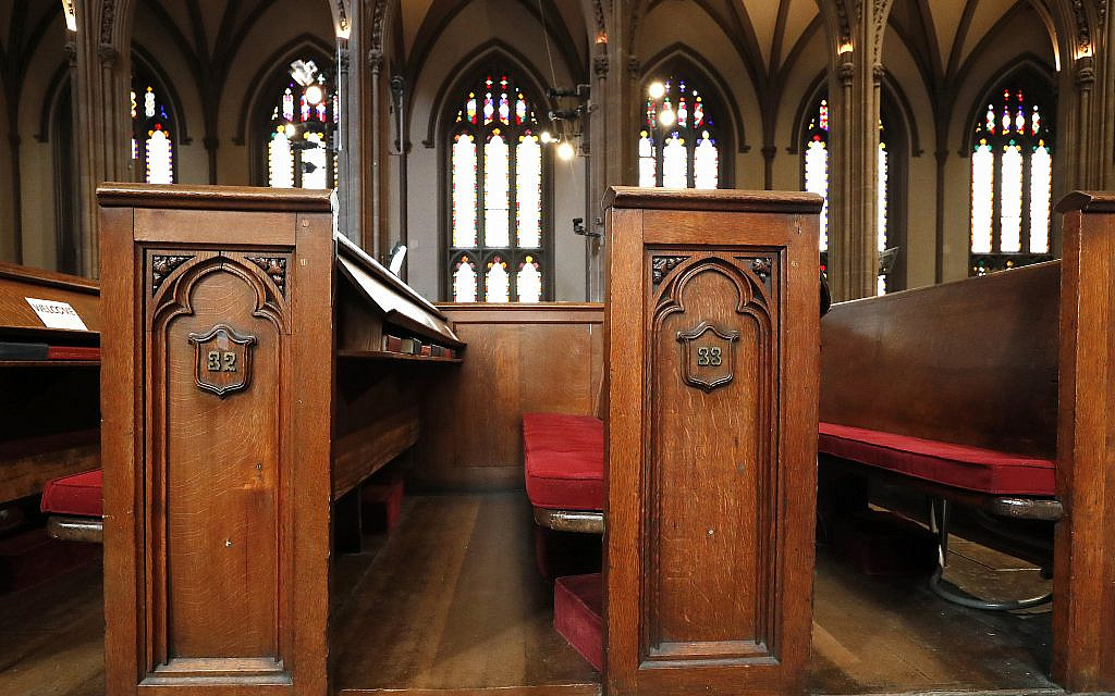Decline of Christianity in America continuing at rapid pace, poll finds