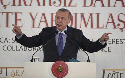 "Turkish, Kurdish fighters continue clashes despite cease-fire"""