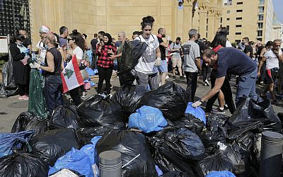 Beirut protesters' camp attacked, tents set on fire