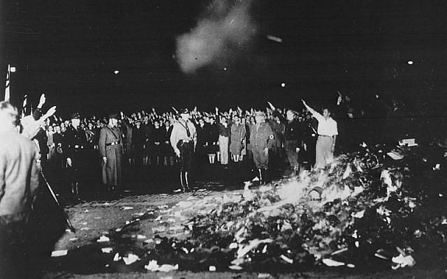 Bebelplatz, Berlin book burnings, 1933 (Bundesarchiv / Georg Pahl)