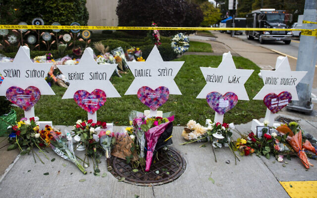 A memorial for victims of the attack on the Tree of Life synagogue in Pittsburgh, Pennsylvania, in October 2018. (Matthew Hatcher/SOPA Images/LightRocket via Getty Images via JTA)