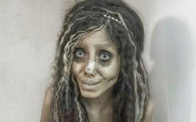 Sahar Tabar como zombi