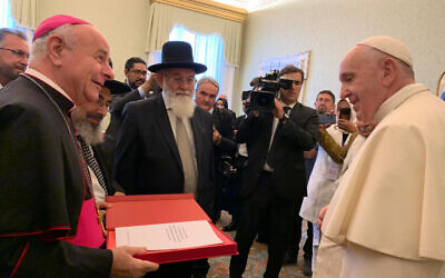 Rabbi Prof. Avraham Steinberg and other religious authorities present to Pope Francis a document denouncing euthanasia, October 28, 2019. (Courtesy/Chief Rabbinate spokesperson Kobi Alter)