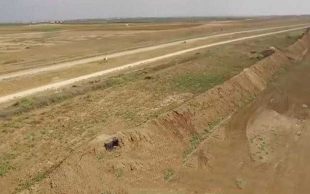 Newly constructed earthworks and sniper posts on the Gaza border in footage broadcast by Channel 13 on October 9, 2019. (Screenshot)