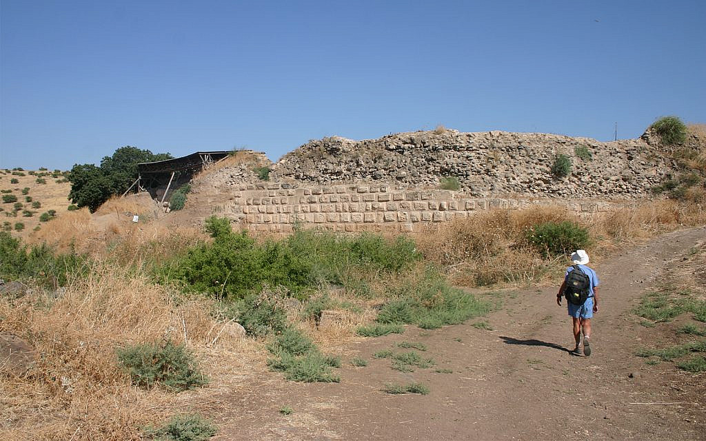 The Chastellet fortress was largely destroyed by Saladin. Archaeologists found some remnants of the structure in 1993. (Shmuel Bar-Am)