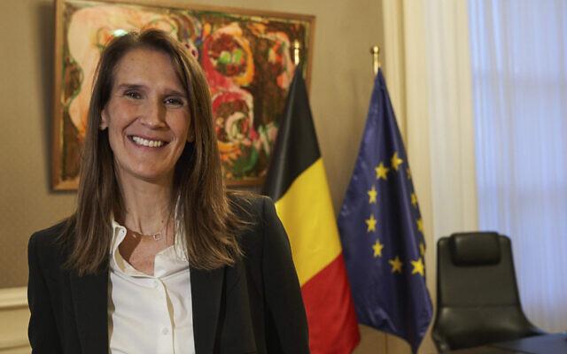 A primeira-ministra belga Sophie Wilmes em seu escritório em Bruxelas, em 27 de outubro de 2019 (Vincent Duterne / Getty Images / via JTA)