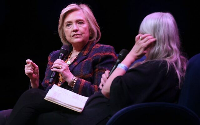 Hillary Rodham Clinton (L) discusses 'The Book of Gutsy Women' with British historian Mary Beard (R) at Southbank Centre's Royal Festival Hall in London on November 10, 2019. (Isabel Infantes / AFP)