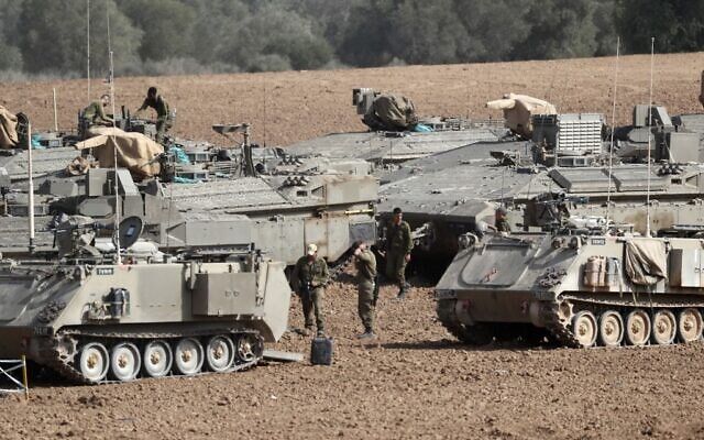 Israeli tanks are pictured stationed near the border with the Gaza Strip on November 13, 2019. (EMMANUEL DUNAND / AFP)