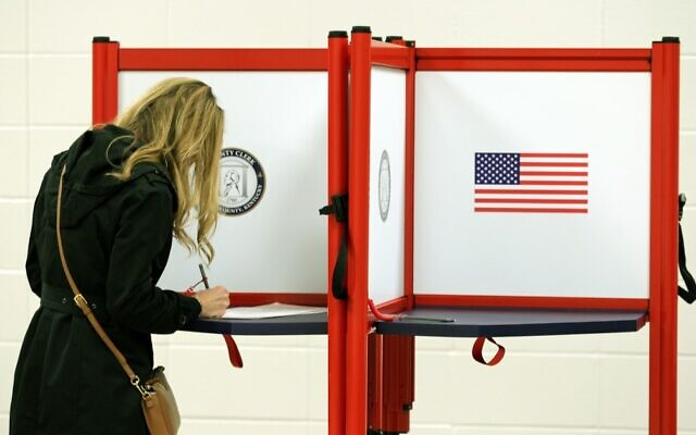 Residents cast votes at Dunn Elementary School November 5, 2019 in Louisville, Kentucky. (John Sommers II/Getty Images/AFP)