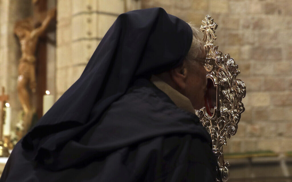 Revered relic from Jesus manger heads back to Bethlehem