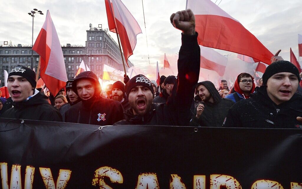 Tens of thousands join far-right Independence Day march in Poland