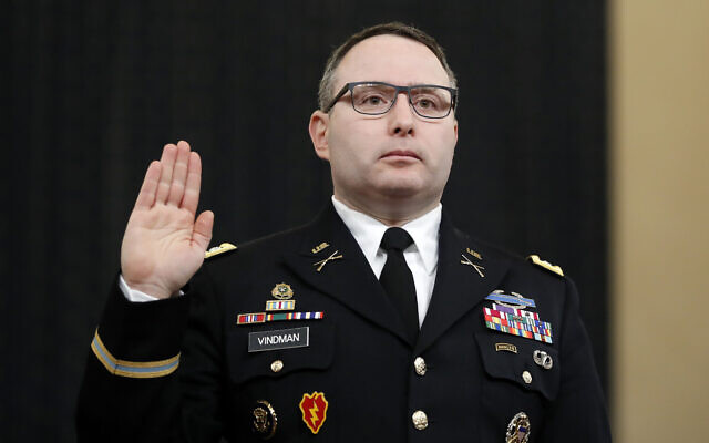National Security Council aide Lt. Col. Alexander Vindman is sworn in to testify before the House Intelligence Committee on Capitol Hill in Washington, November 19, 2019. (AP Photo/Andrew Harnik)