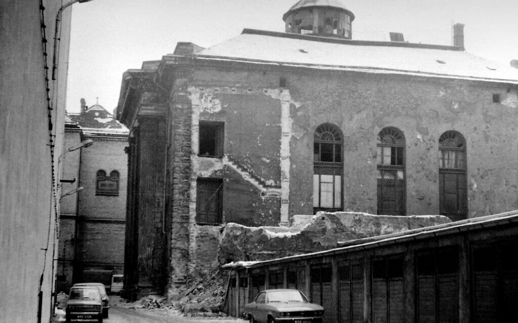 The White Stork Synagogue in 1979. (CC/SA 3.0/ Stiopa)