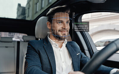 The software developed by Eyesight Technologies tracks eye movements to alert drowsy or distracted drivers (Courtesy)