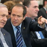 Nir Barkat (center) with Prime Minister Benjamin Netanyahu (left) during a special cabinet meeting for Jerusalem Day at the Ein Lavan spring in Jerusalem on June 2, 2016. (Marc Israel Sellem/Pool)