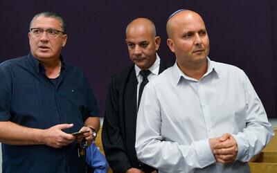 Ex-Mayor of Ashkelon Itamar Shimoni arrives a the Tel Aviv District Court on September 26, 2017. (Roy Alima/Flash90)
