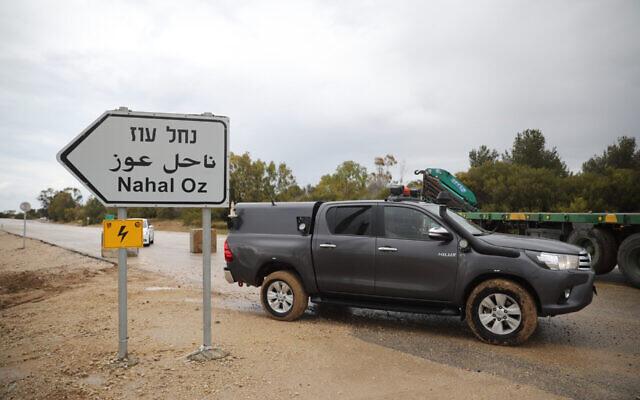 An Israeli army vehicle block a road near Nahal Oz in the Israeli Gaza border in southern Israel, on March 25, 2019. Photo by Hadas Parush/Flash90 *** Local Caption *** çééìéí ãøåí âáåì ñåâø ñâøå çåó éí çééì çééìéí ùåîøéí øëá ðçì òåæ