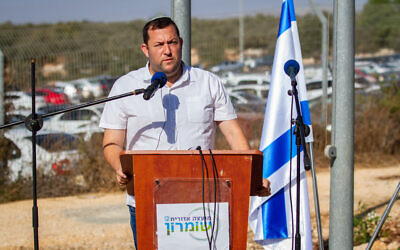 Samaria regional council head Yossi Dagan speaks during a ceremony at the Barkan industrial zone in the West Bank on October 7, 2019. (Flash90)