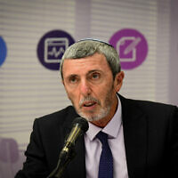 Education minister Rafi Peretz speaks during a press conference at the Education Ministry in Tel Aviv on October 28, 2019. (Flash90)