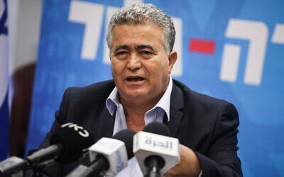 Labor leader Amir Peretz at the Labor party faction meeting at the Knesset, November 4, 2019. (Hadas Porush/Flash90)
