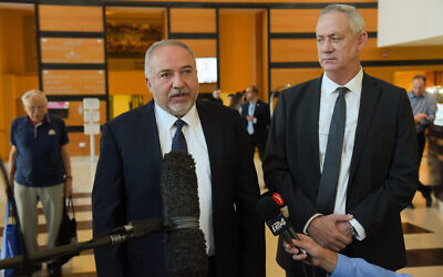 Blue and White party leader Benny Gantz (right) and Yisrael Beytenu chief Avigdor Liberman after meeting in Ramat Gan on November 14, 2019. (Avshalom Sassoni/Flash90)