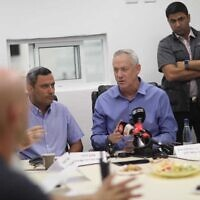 Blue and White party leader Benny Gantz meets with Sderot Mayor Alon Davidi on November 13, 2019. (Elad Malka)